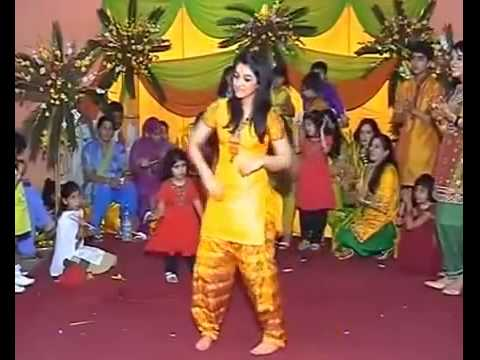 Amazing Desi Girl Dance In Mumbai Sexy Wedding video