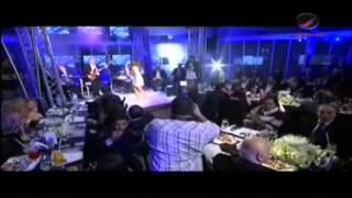شاعلتها شعل شذى حسون مع عمرو دياب و اليسا العوبه