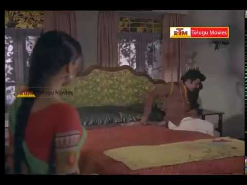 Rowdy Trying To Rape Rathi - In Oorikokkadu Telugu Movie video