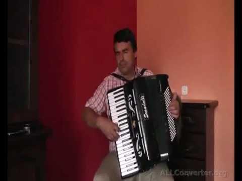 Gra Na Akordeonie W Wykonaniu Marka Suchackiego