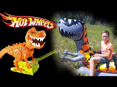 HOT Wheels Трек Динозавр Тирекс и машинки Хот висл. Весёлые обзоры Треков с Юрой и Ник Турбо. Mattel