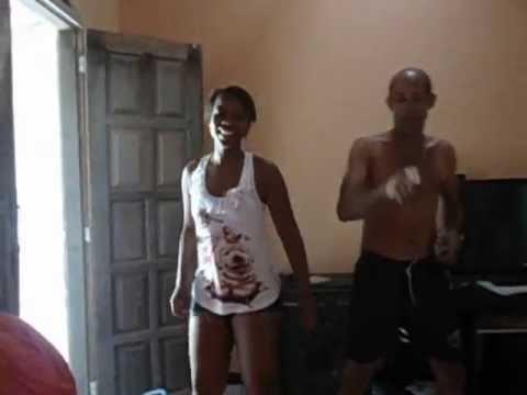 Coroa Dano Uma De Novinho E Atacando As Novinhas!!!!!! video