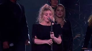 Kelly Clarkson A Minute A Glass Of Wine Live In Southaven Ms