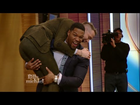 Ryan Reynolds Tackled by Michael Strahan