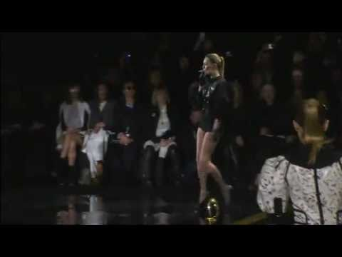 LOUIS VUITTON WOMEN PRÊT-À-PORTER FW 2011-2012 PFW
