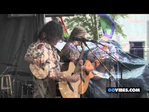 "The Kind Buds perform ""Echoes In My Head"" at Gathering of the Vibes Music Festival 2013"