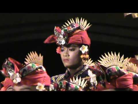 Tabuh telu Batur Sari oleh Sekehe Gong Kumara Gurnitha Banjar Tengah Blahbatuh