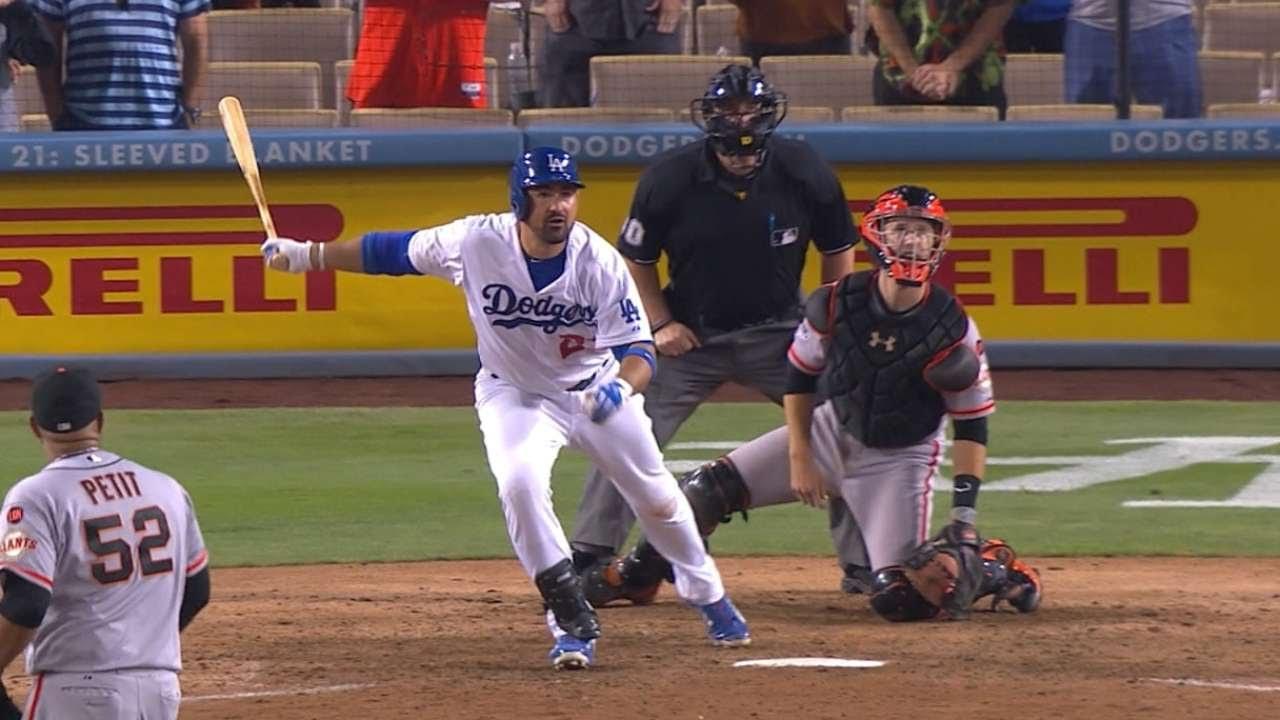 SF@LAD: Gonzalez's walk-off single lifts Dodgers