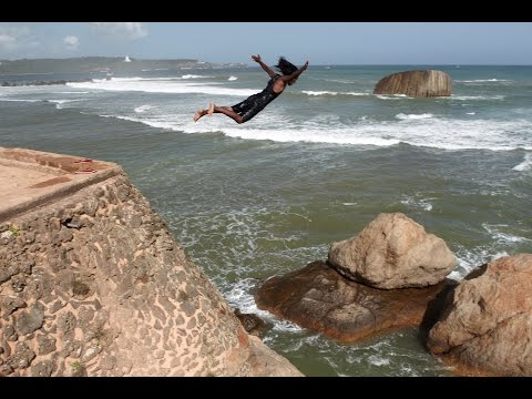 Galle cliff diving, Sri Lanka