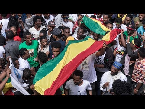 Ethiopian prime minister escapes rally grenade attack that kills one, wounds scores thumbnail