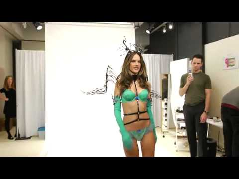 Victoria's Secret Fashion Show Angel Fittings – (100 fashion blog) (2 playlist trailer)