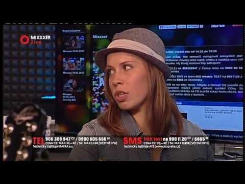 Mixxxer 14.05.2013 - snowboardcrossařka Eva Samková čte básničku