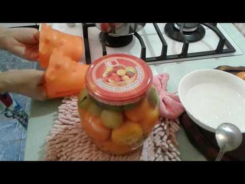 ассорти из томатов и физалиса на зиму