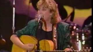 Watch Mary Chapin Carpenter Quittin