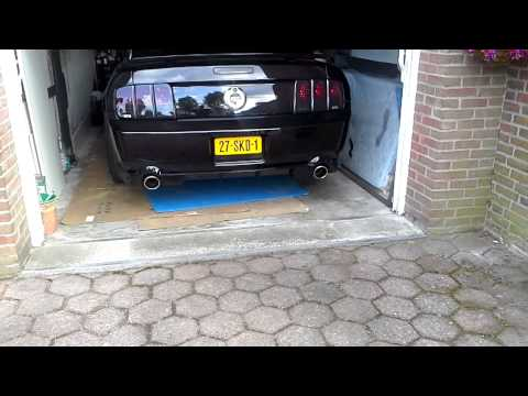 2006 ford mustang GT flowmaster exhaust