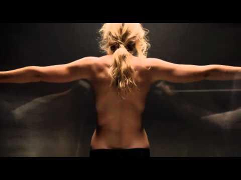 Ashleigh McIvor в рекламе Acura TL 2012