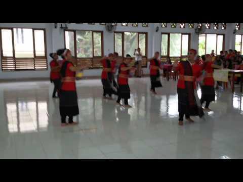 Lomba Tor tor Martumba Parompuan Wijk 1/16 HKBP Perumnas Simalingkar  08- 08- 2015