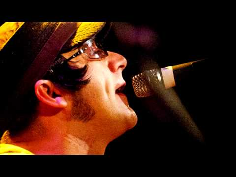 Mad Ferritt (Irish Oasis Tribute Band) - Rock n Roll Star.mp4
