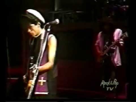 Los Abuelos de la Nada - Costumbres Argentinas (En Vivo Teatro Opera 1985)