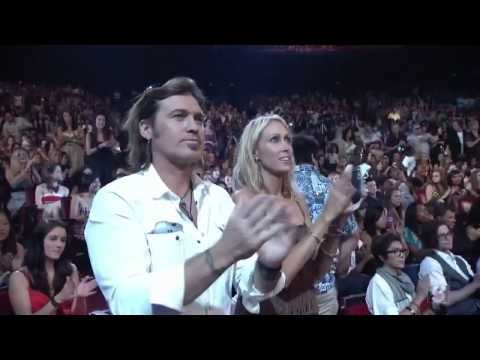 Party In The Usa - Miley Cyrus Live At Teen Choice Awards 2009 video