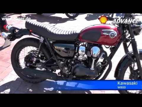 2013 Kawasaki W800 vs Moto Guzzi V7 Walk around with Exhaust Sound Check