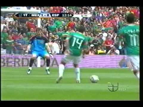 Mexico empata contra España 1-1 y casi derrota al campeon del mundo en el estadio azteca. saludos pa todos los fanaticos del futbol!!