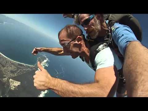 Wayne goes sky diving