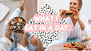 WHAT I EAT IN A DAY | How I eat burgers and treats... EVERYDAY!
