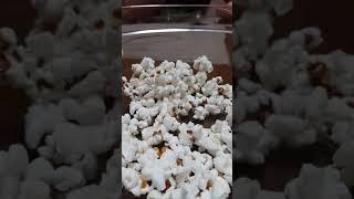 Popcorn timelapse.