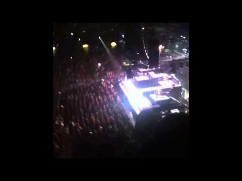 Jay-Z - Izzo (H.O.V.A) / Hard Knock Life (Ghetto Anthem) (Live @ TD Garden, Boston MA: 1/18/14)