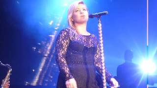 Kelly Clarkson - Never Loved a Man (Aretha Franklin cover)