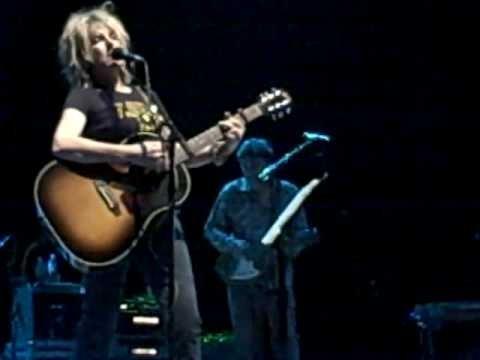 "Lucinda Williams Live ""People Talkin'"" St. Louis 10/19/08"