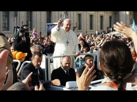 New Catholic Sees Pope Francis For 1st Time, What Happens Is Pure Joy (ROMEing Around 22)