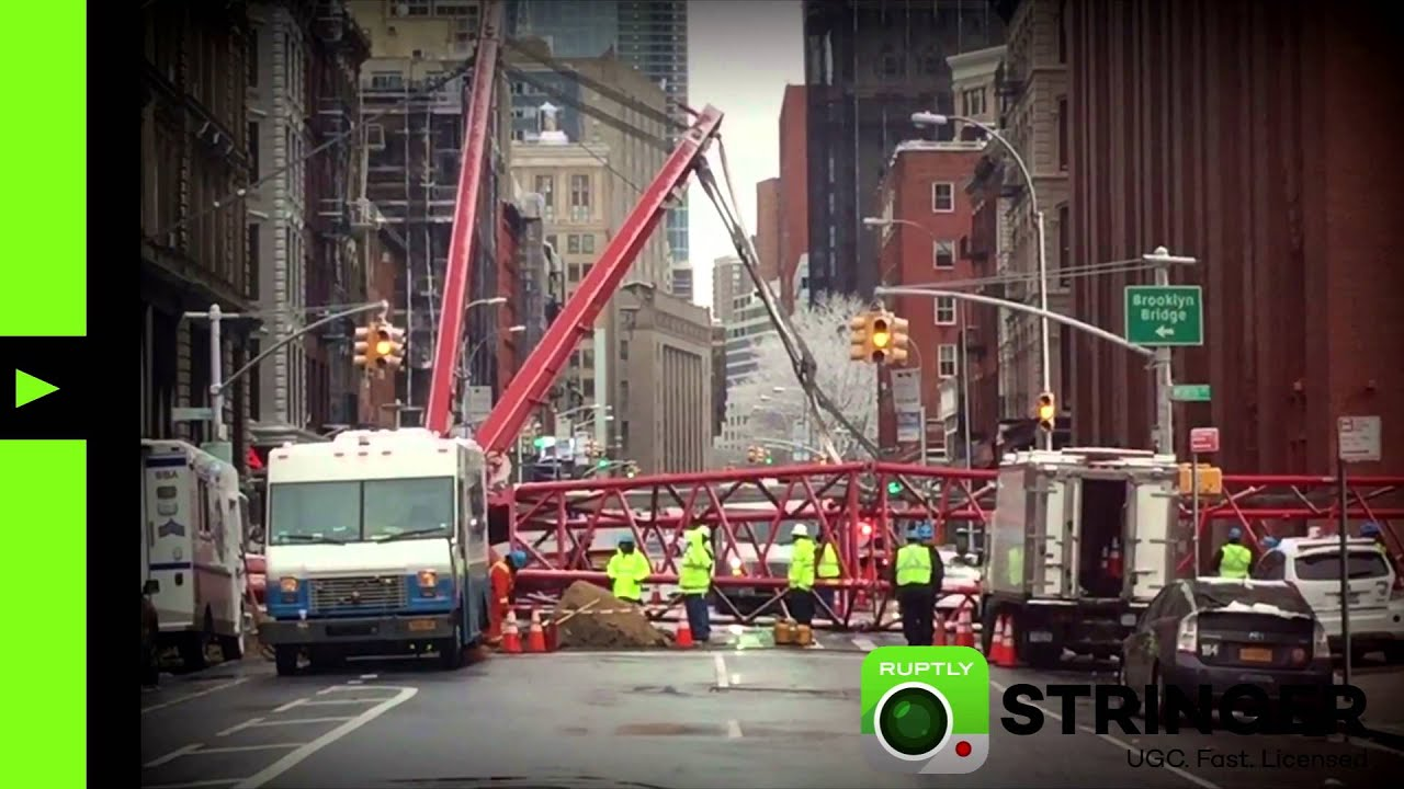RAW: Massive crane collapsed in Manhattan crushing cars, pedestrians (via Ruptly stringer app)