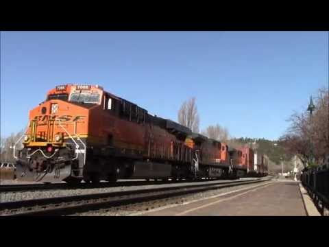 Lots of intermodals on the BNSF Selligman & Gallup subdivisions. 3/28/14