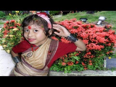 Mou Konwari Bihu (মৌ-কুঁৱৰী বিহু) - Little Bihu Girl Dancer Of Assam video