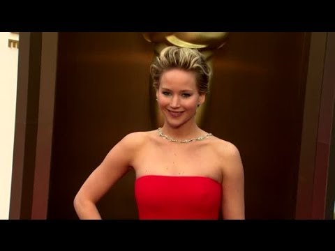 Jennifer Lawrence Reportedly Drunk and Puking at Oscar Party