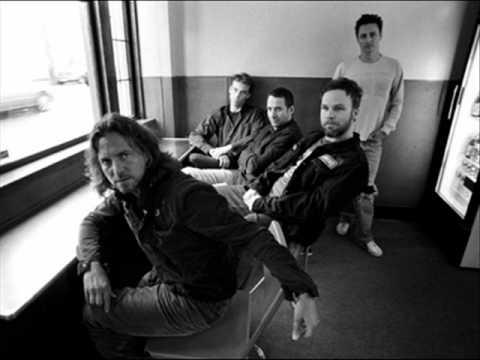 Pearl Jam- Deep (with Lyrics)