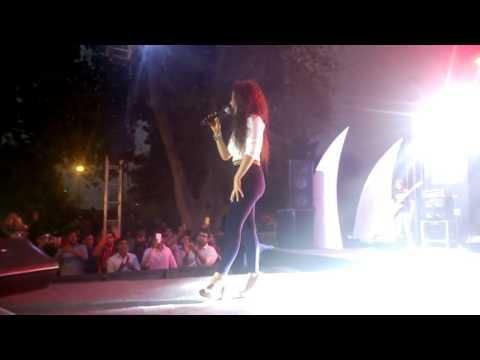 Neha Kakkar Live Performance Dance Lat Lag Gayee Full HD Video