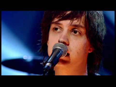 Strokes - Heart In A Cage