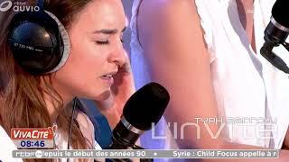 """Typh Barrow chante """"Quand on n'a que l'amour"""" de Jacques Brel dans la matinale de Vivacité"""