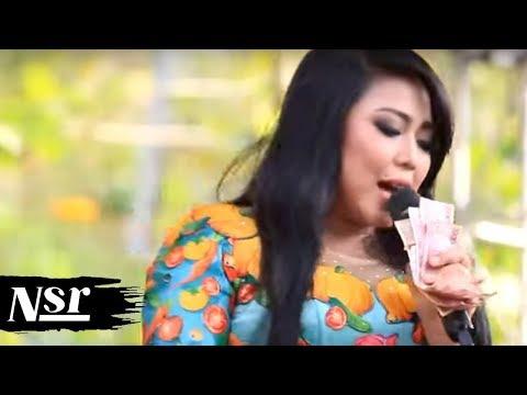 Wiwik Sagita - Cintai Aku Karena Allah (caka) video