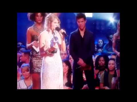Taylor Swift: Kanye West: VMA Awards 2009 - Imma Let You Finish