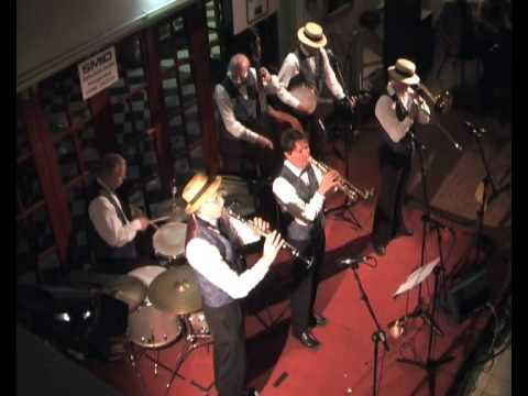 Slidin' Selena - trombone Michel Muller - trumpet Original Dixieland.