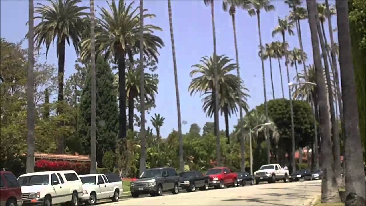 Touring A Home In The Hollywood: Beverly Hills\West Hollywood Hills Movie Star Homes And