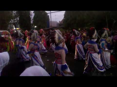 TARI Karnaval HUT RI SMA PGRI LUMAJANG