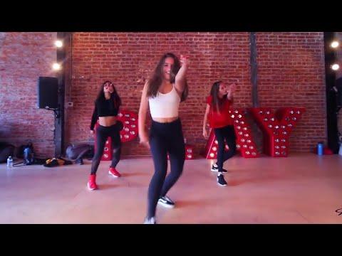 "Mackenzie Ziegler / ""Wolves"" / Selena Gomez, Marshmello / Rumer Noel's choreo"