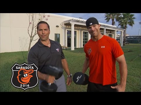 30 Clubs in 30 Days: Chris Davis talks about staying with the Orioles