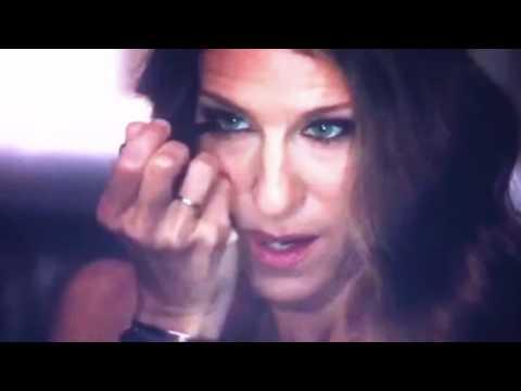 Sex & The City 2 Blue Heaven Kohl Kajal Eyeliner video