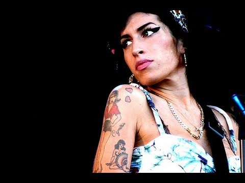Amy Winehouse Booed Off Stage